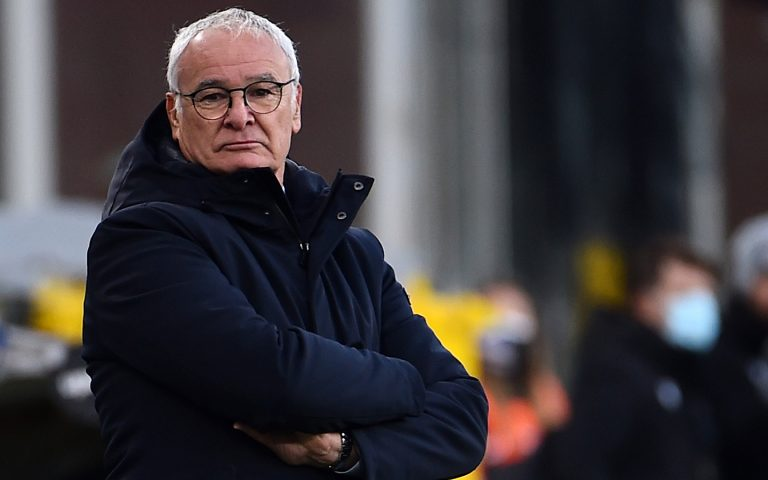Samp undone either side of interval, says Ranieri